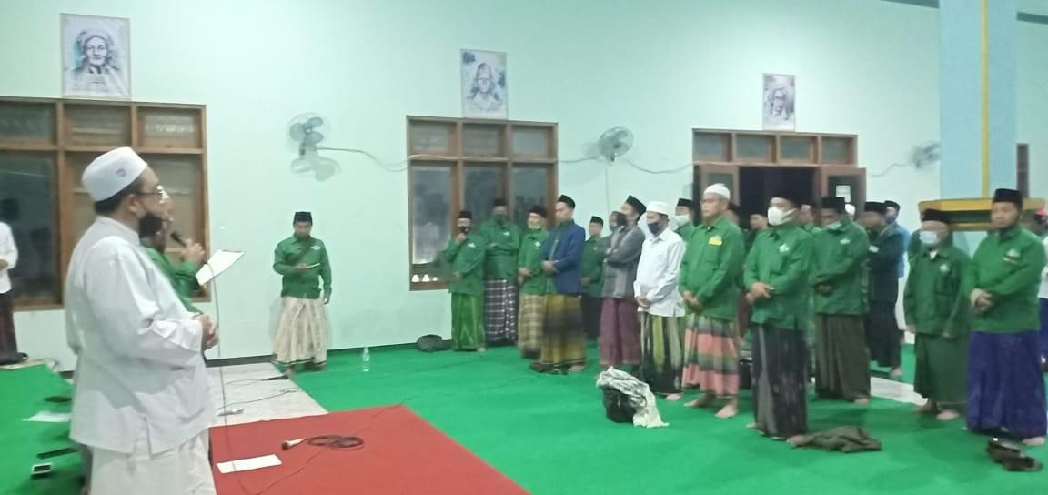 Malam Harlah ke-98 NU, Rois Syuriah PCNU Lantik Ketua Lembaga, Banom dan Pengurus MWCNU