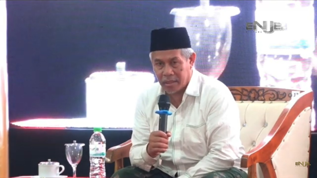 Ceramah di Nurul Jadid, KH. Marzuki Mustamar Sampaikan Pentingnya Ilmu